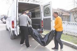 Cadavrul unei femei tinere a fost găsit în stare de putrefacție într-un imobil din Arad