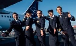 """Uluitor, expresia """"doamnelor şi domnilor"""" dispare din vocabularul Lufthansa pentru a nu-i leza pe pasagerii transgen"""