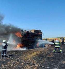 Patru utilaje agricole au luat foc în timp ce recoltau în ultimele două săptămâni