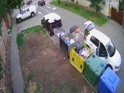 Primăria Arad a demarat un program de monitorizare video a platformelor de colectare gunoi menajer