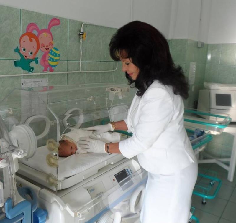 Dezastru demografic. Anul acesta s-au născut mai mulți copii români în străinătate decât în țară