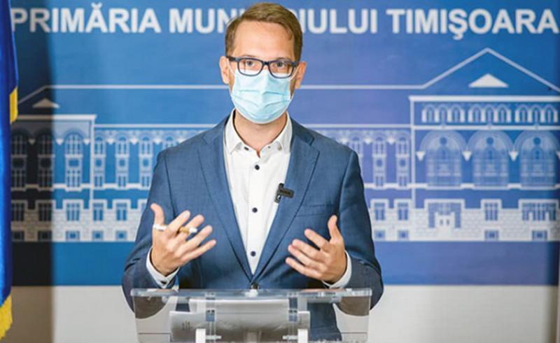 Primarul Fritz al Timișoarei chemat să dea cu subsemnatul la Tribunal. Zeci de angajați au acţionat în instanţă Primăria Timișoara din cauza unor decizii ale primarului