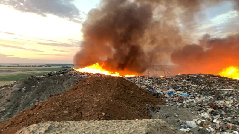 Operatorul gropii de gunoi Arad amendat cu 100. 000 lei de Garda de Mediu