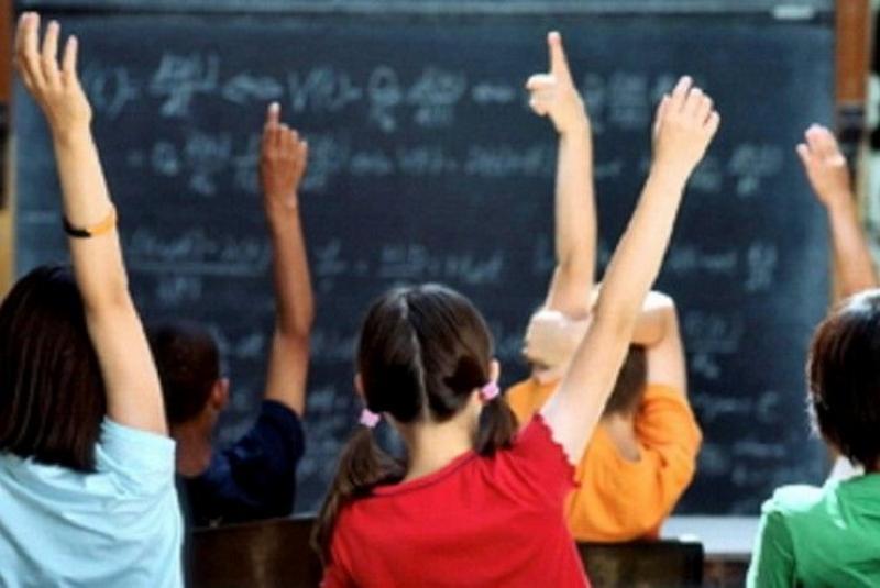 Bursele elevilor ar putea fi majorate până la 500 de lei din 10 ianuarie 2022