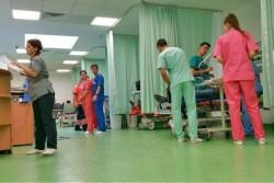 Linoleu antibacterian în holul principal și zonele intens tranzitate ale Unității de Primiri Urgențe (UPU) din Spitalului Județean Arad