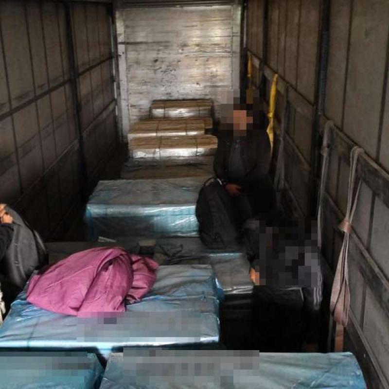 Invazie de afgani la frontiera româno-maghiară. 23 de imigranți afgani descoperiți la Vărșand în doar 24 de ore
