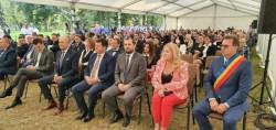 """La Domeniul Regal de la Săvârșin a avut loc """"Gala recunoștinței Medicale"""". La eveniment a fost invitat și Valeriu Gheorghiță"""