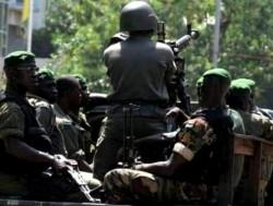 Lovitură de stat în Guineea. Președintele Alpha Conde a fost arestat. Meciul de fotbal dintre Guineea și Maroc nu s-a mai jucat