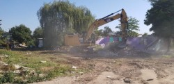 Primăria a reluat demolările pe strada Mărului