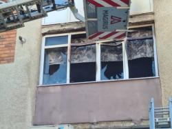 Două incendii au izbucnit simultan în Arad. Ambele au fost lichidate. Nu au fost victime