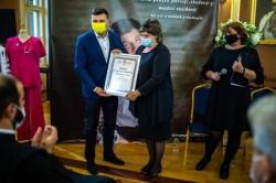 """""""Arădeni cu care ne mândrim"""" pentru doctorul Simona Dumitra"""