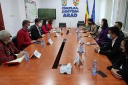 Delegație a Casei Româno-Chineze, în vizită la Consiliul Județean Arad