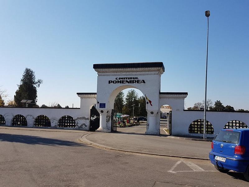Primăria Arad a stabilit  amplasamentele pentru desfăşurarea comerţului ambulant cu flori în zona cimitirelor de Ziua Morților, tuturor Sfinților, Luminăția