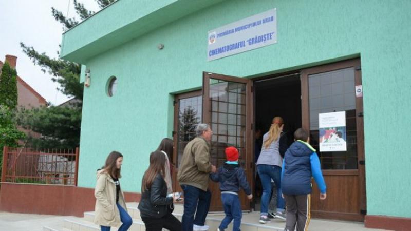 Centrul de vaccinare din Grădiște, deschis 12 ore. Programul centrelor de vaccinare din municipiul Arad