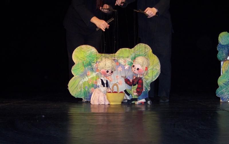Hansel și Gretel, o poveste magică pe scena Trupei Marionete