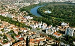 În municipiul Arad a fost depășită incidența de 6! De luni masca este obligatorie pe stradă, iar nevaccinaților li se aplică restricții în weekend