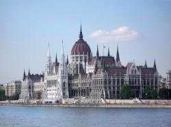 Guvernul Ungariei sprijină financiar construirea în Transilvania a 103 grădiniţe noi şi reabilitarea altor 400 de grădinițe
