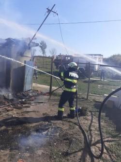 39 incendii stinse și 1071 intervenții SMURD ale pompierilor militari arădeni în luna septembrie
