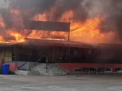 Incendiu acoperis Restaurant Mega Trak Parc la iesire din Vladimirescu