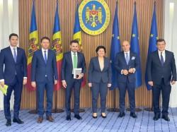 Europarlamentarul Gheorghe Falcă s-a întâlnit cu premierul Republicii Moldova