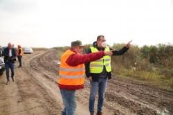 Constructorii drumului Sânmartin – Olari – Caporal Alexa, somați să realizeze lucrări de calitate