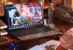 20% dintre preșcolarii și elevii arădeni își desfășoară cursurile online