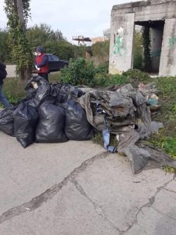 Adăposturi ale oamenilor străzii demolate în trei zone ale Aradului