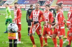 Fotbaliștii din România mai joacă doar cu Certificat Verde sau test negativ