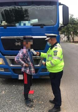 Un șofer de autobasculantă arădean și-a creat propria lege de circulație. Beat în trafic și alte 8 ilegalități