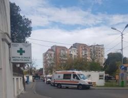 Zi de foc pentru personalul medical de la Spitalul Județean Arad! 32 de pacienți așteaptă în UPU eliberarea unui loc pe secțiile covid-19
